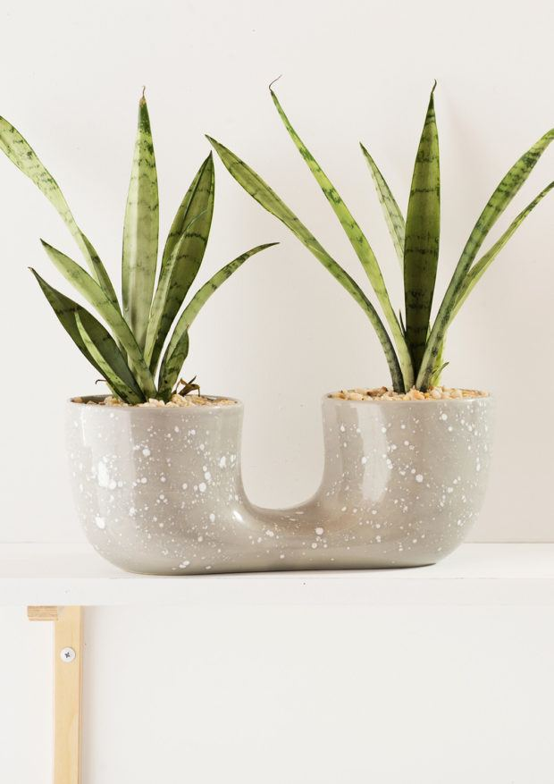 Angus & Celeste Connected Plant Pot Grey Crystal