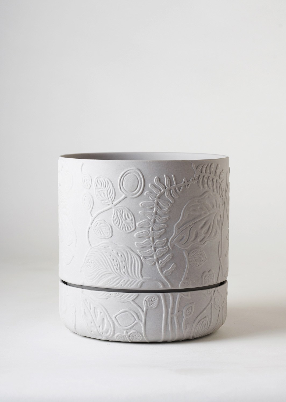 Angus & Celeste Folia Relief Plant Pot Grey