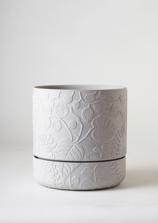 Angus & Celeste Folia Relief Plant Pot Grey